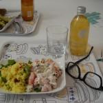 noch ein kleiner Salat im esstisch: Couscous und indische Gurken