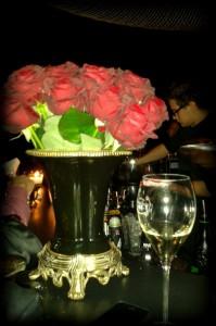 Rote Rosen und Champagner: es möge uns nie schlechter gehen!