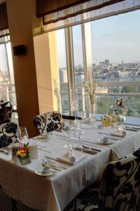 Das-Schick-Restaurant-zwei-Hauben-über-den-Dächern-Wiens-Foto-c-Claudia-Busser-kekinwien.at_.jpg
