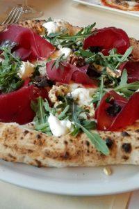 e Hauspizza in der Sofi Vera Pizzeria Napoletana - kekinwien.at