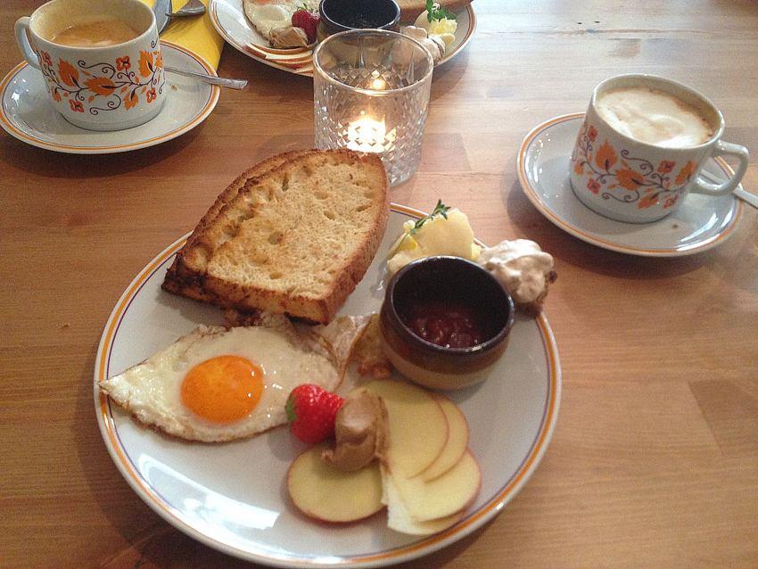 Frühstück im Home Café, Foto (c) Andrea Pickl - kekinwien.at