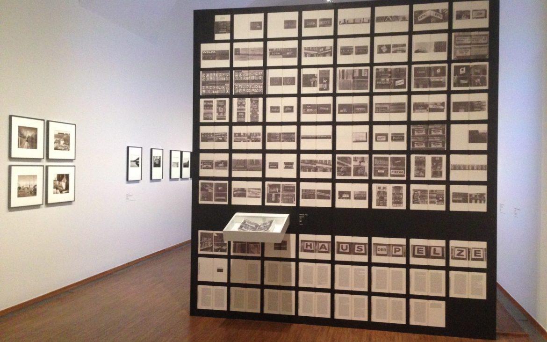 Bodo Hell, Stadtschriften, Ausstellungsansicht, Foto (c) Andrea Pickl - kekinwien.at