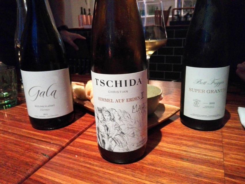 Ein Teil der überaus spannenden und gelungenen Weinbegleitung im roots, Bild (c) Claudia Busser - kekinwien.at