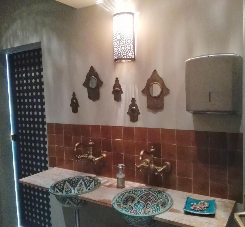 Wo man sich die Hände waschen kann im L'Orient - kekinwien.at