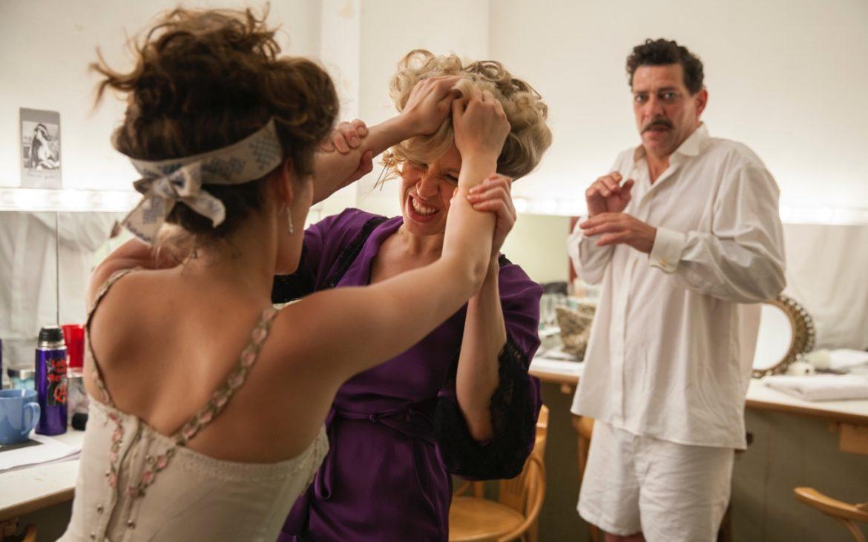 Nina Proll, Gregor Bloéb, Filmstill aus Anna F*** Molnar © Ioan Gavriel