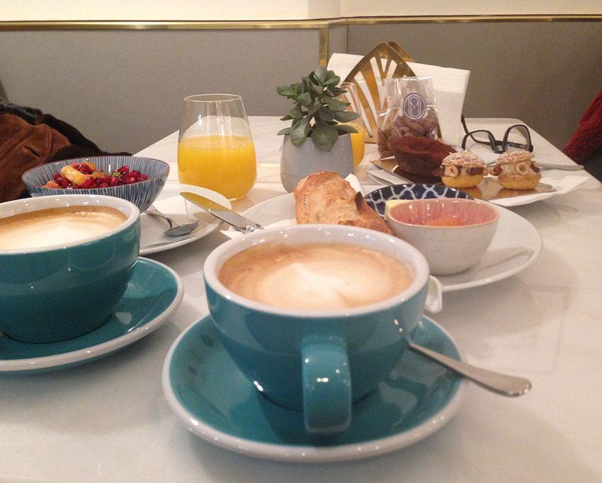 Cafe au lait und Frühstück im Parémi, Bild (c) Andrea Pickl - kekinwien.at