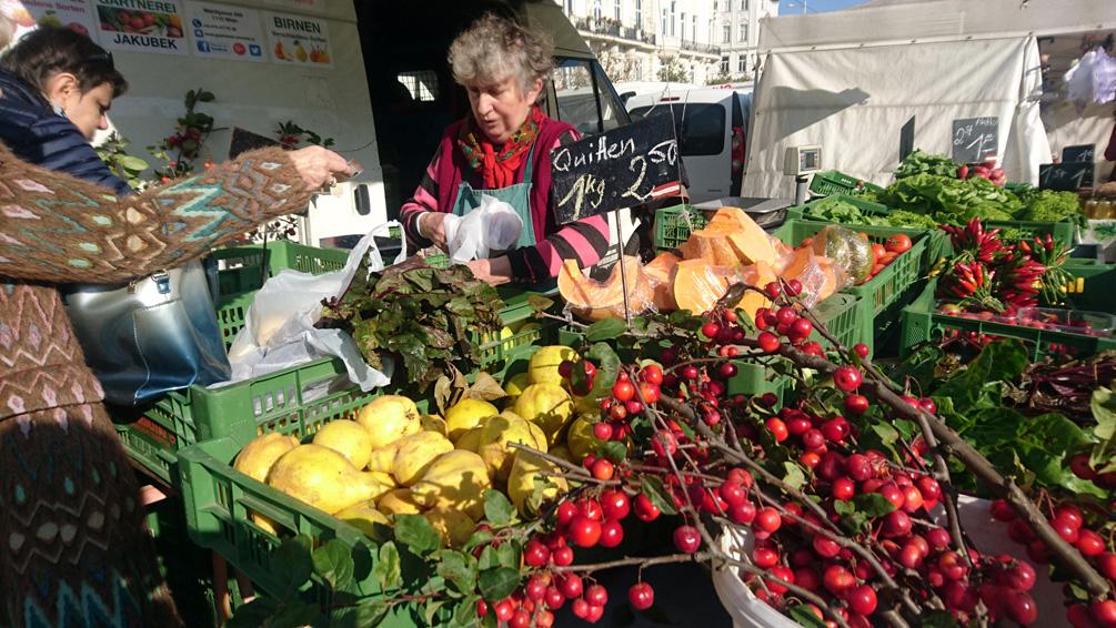 Köstliche Zieräpfel und Quitten werden auf dem Naschmarkt gehandelt, Bild (c) Mischa Reska - kekinwien.at