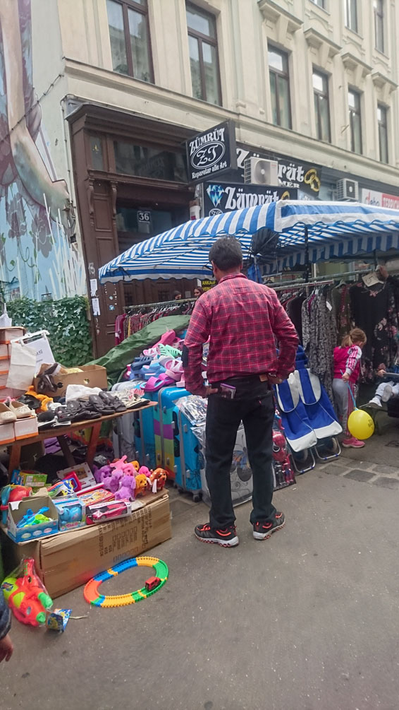 auf dem Markt gibt es alles, Bild (c) Mischa Reska - kekinwien.at