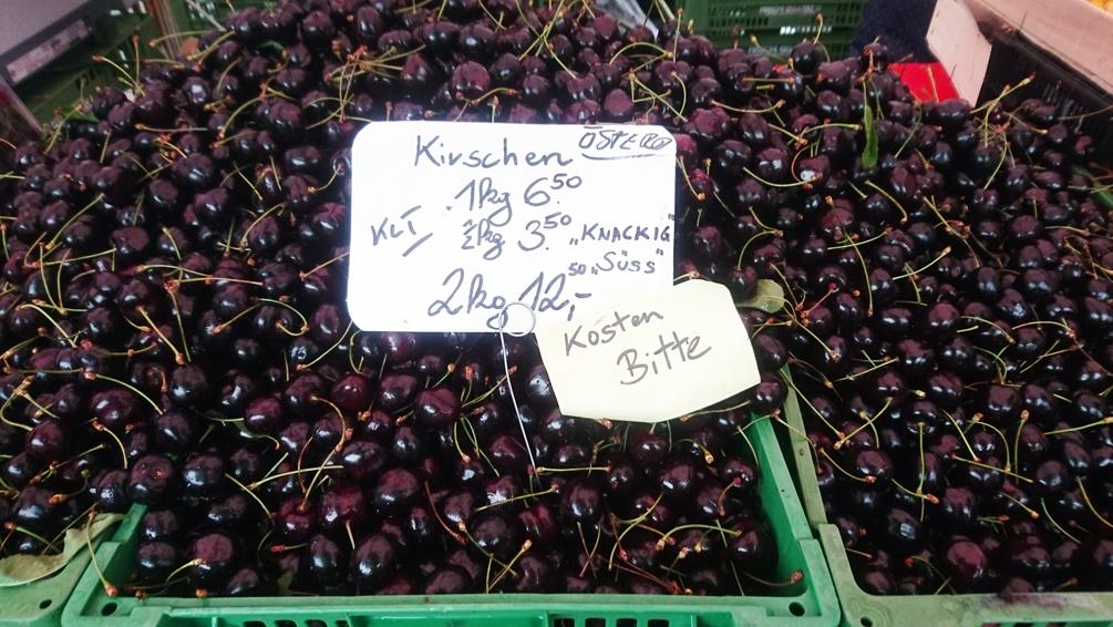 Was auf dem Markt einkaufen, Kirschen zum Beispiel, Bild (c) Mischa Reska - kekinwien.at
