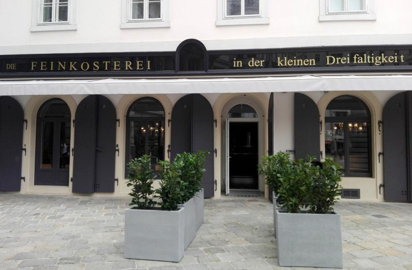 Feinkosterei, Fassade im Herbst, Bild (c) kekinwien.at