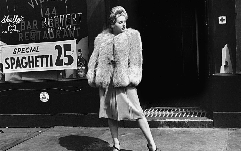 Helen Levitt New York, Silbergelatinepapier Sammlung Martin Z. Margulies © Film Documents LLC / Courtesy Galerie Thomas Zander, Köln