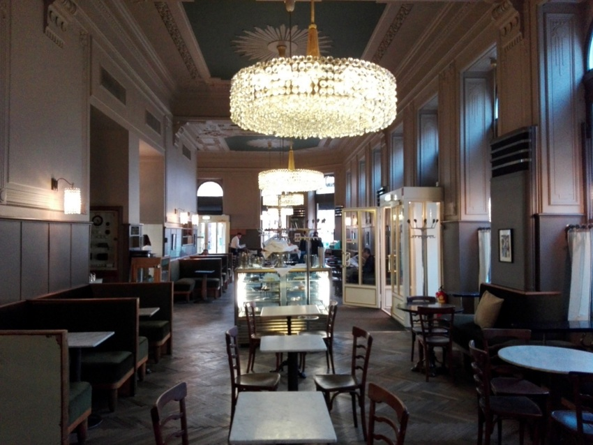 Café Westend, morgens, Bild (c) Claudia Busser - kekinwien.at