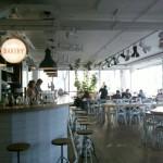 Einblick in den Gastraum des Caférestaurants Bakery im Hotel Daniel, Wien
