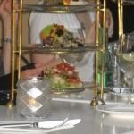 """ein dreistöckiger """"Turm"""" gefüllt mit köstlichen Vorspeisen - das bestellen wir nächstes Mal!"""