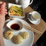 Bao Zi und eingelegtes Gemüse