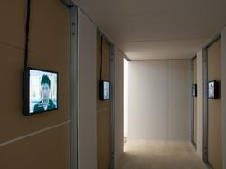 Unruhe der From,  Akira Takayama: Referendum Project, Ausstellungsansicht im xhibit, Akademie der bildenden Künste Wien, Foto © Armin Bardel