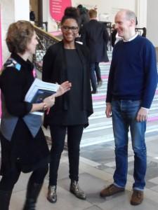 ina Haslinger, Jennifer Reaves und Sebastian Wrong (v.l.n.r.)  bei der Presseführung