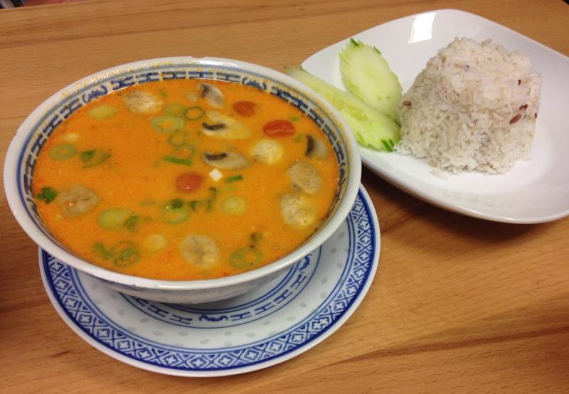 Maleewan's Thai Imbiss, Linz: Tom Yam Suppe mit Garnelen