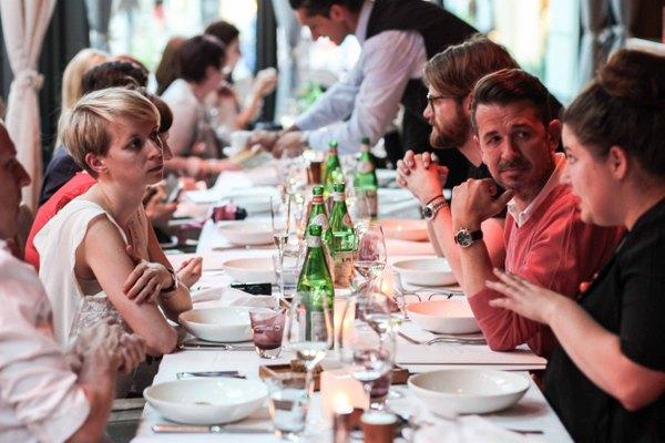 Blogger Pre-Tasting-Dinner im Fabios. Foto (c) Frank Flores für kekinwien.at