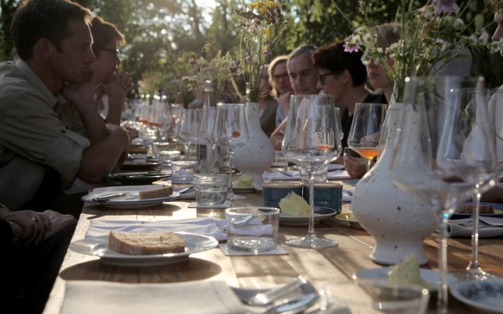 Tisch, Bild (c) Beatrix Kovats