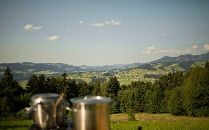 Blick übers Tal, Foto (c) Darko Todorovic
