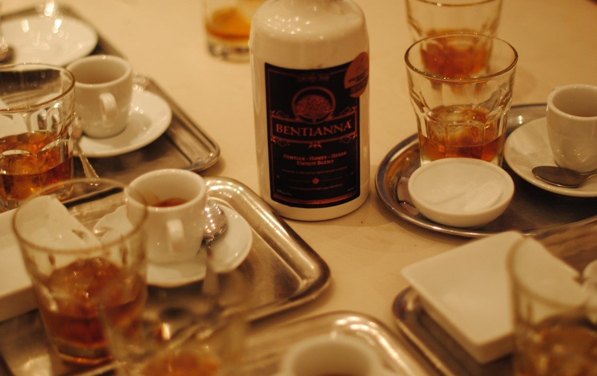 Bentianna passt auch pur oder auf Eis zum Espresso nach dem perfekten Essen, Foto (c) Valentin Eisendle - kekinwien.at