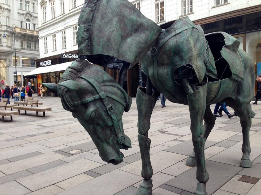 Monumental Break, Julien Berthier, Foto (c) Andrea Pickl - kekinwien.at