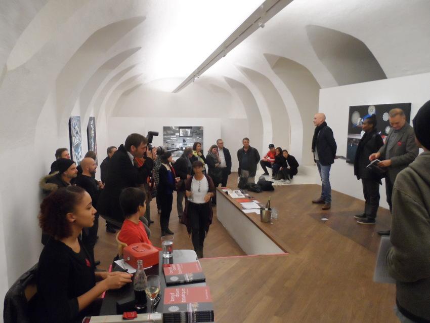 Katalogpräsentation, bend down boutique: non-spaces, Galerie imersten, Foto (c) Pauline Marcelle