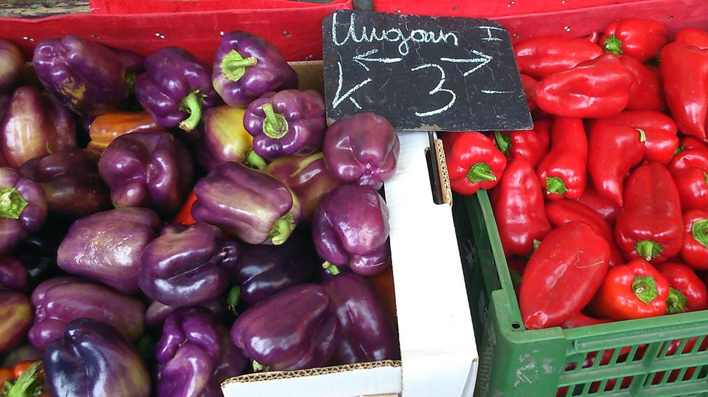 Auch die Paprika zeigt sich in  Violett, Foto (c) Mischa Reska - kekinwien.at