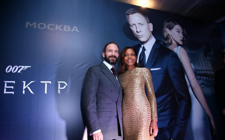 M und Moneypenny, Foto (c) Sony Pictures