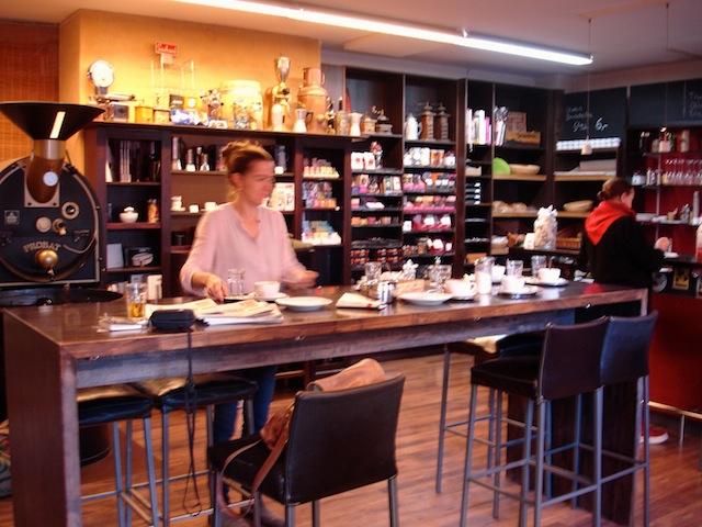 Kaffeebohne, Dornbirn ... beim Abräumen, Foto: © Hadwig Fink – kekinwien.at