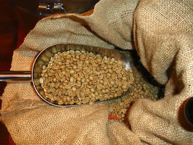 Kaffee vor der Röstung in der Kaffebohne, Foto (c) Hadwig Fink - kekinwien.at