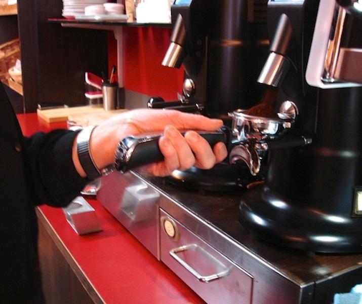 Cappuccino in der Kaffeebohne: 1. Schritt: Foto © Hadwig Fink - kekinwien.at