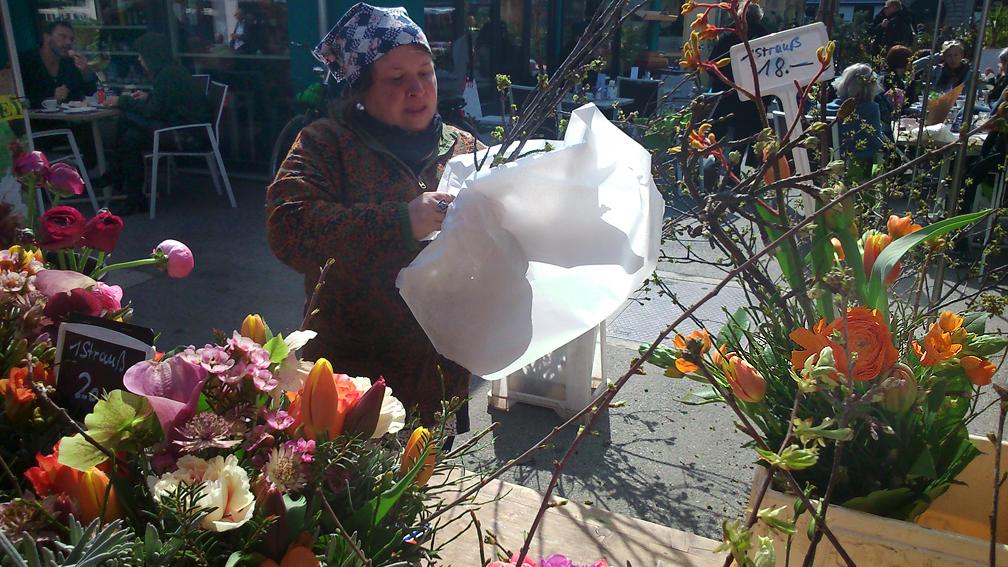 Blumen auf dem Markt im April - kekinwien.at