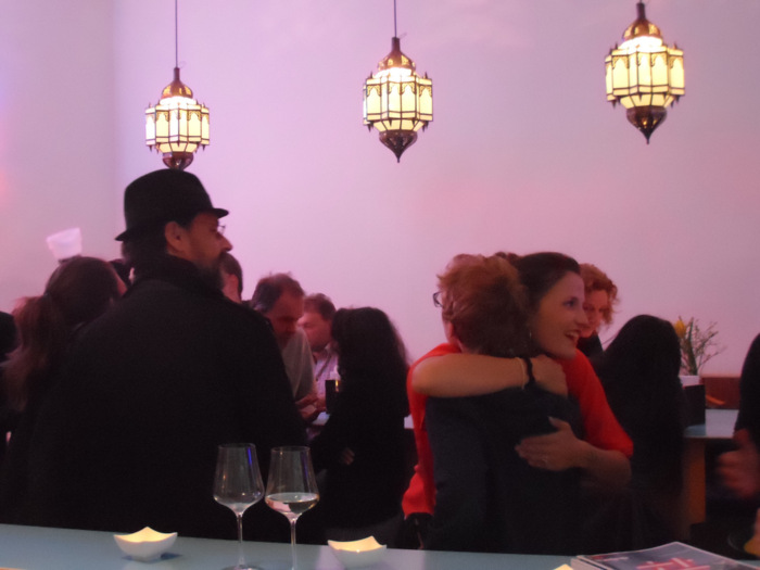 Freundlichkeit ... Habibi und Hawara. Foto (c) Claudia Busser - kekinwien.at