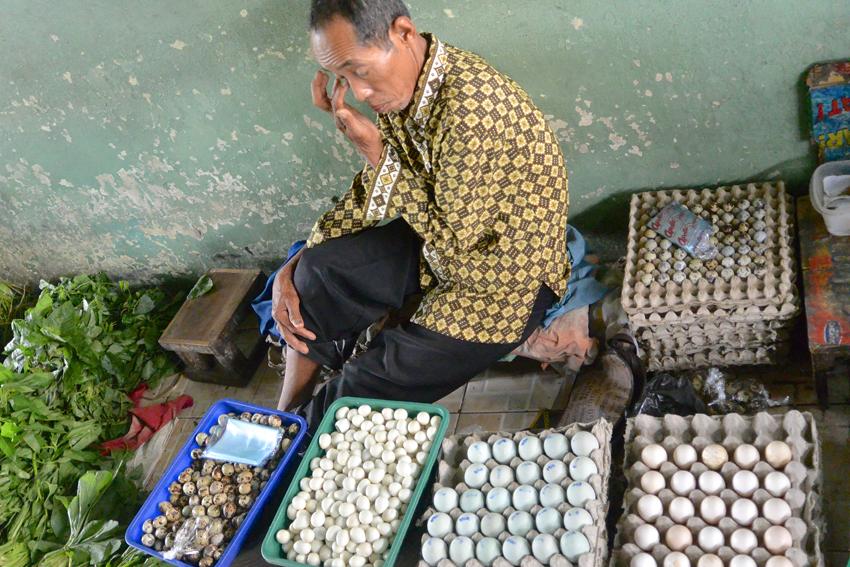 Wachtel, Ei, Ente ... Eier auf dem Markt in Indonesien, Foto (c) Mischa Reska - kekinwien.at