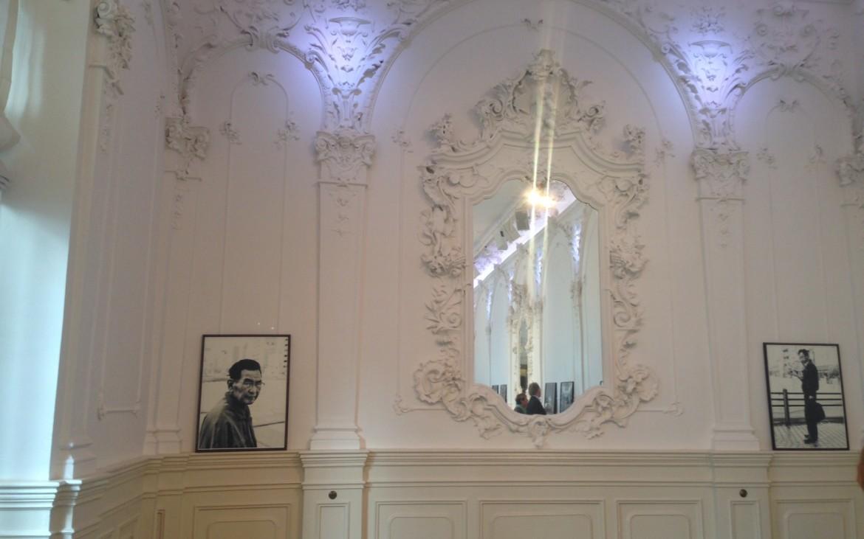Auch ein genialer Blick von Andrea Pickl für kekinwien: Robin Roger im Vienna Ballhaus.