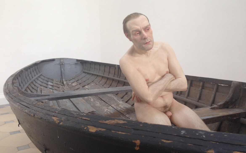 Man in a Boat, Ron Muek, Foto (c) Andrea Pickl - kekinwien.at