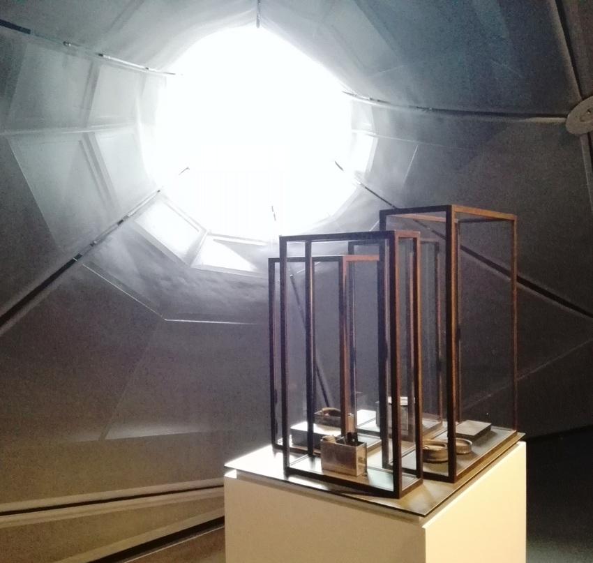 edmund-de-waal-im-kunsthaus-graz-foto-c-claudia-busser-kekinwien-at