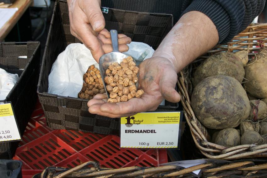 Erdmandeln ! Gefunden auf dem Markt im Winter - kekinwien.at