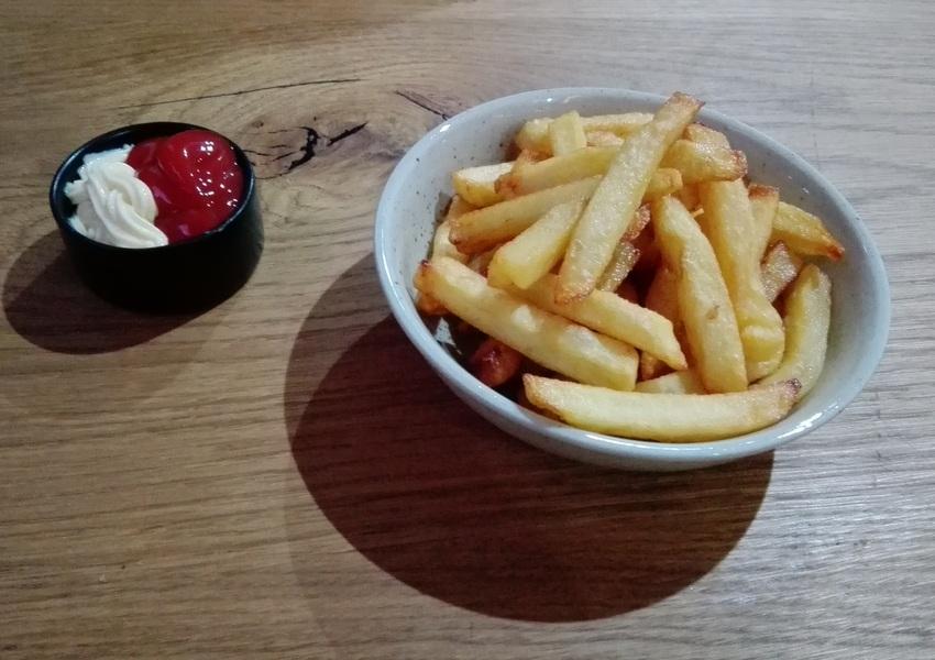 hausgemachte Pommes frites im Bao Bun - kekinwien.at