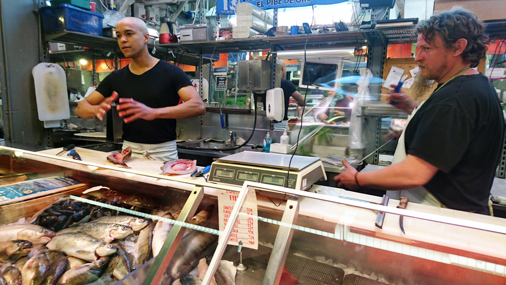 Es gibt Fisch! Auf dem Markt in Helsinki - kekinwien.at