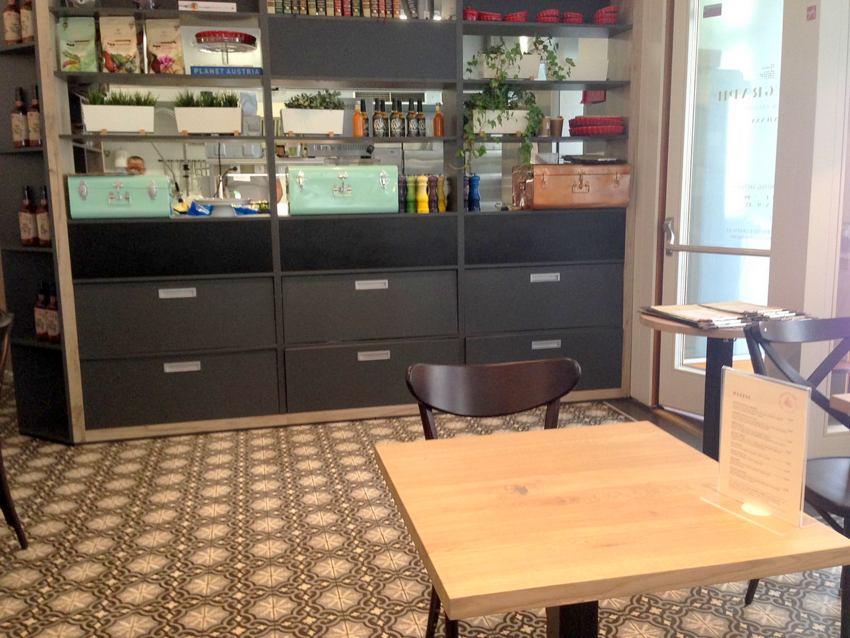 Café Telegraph, Blick zur Küche - kekinwien.at