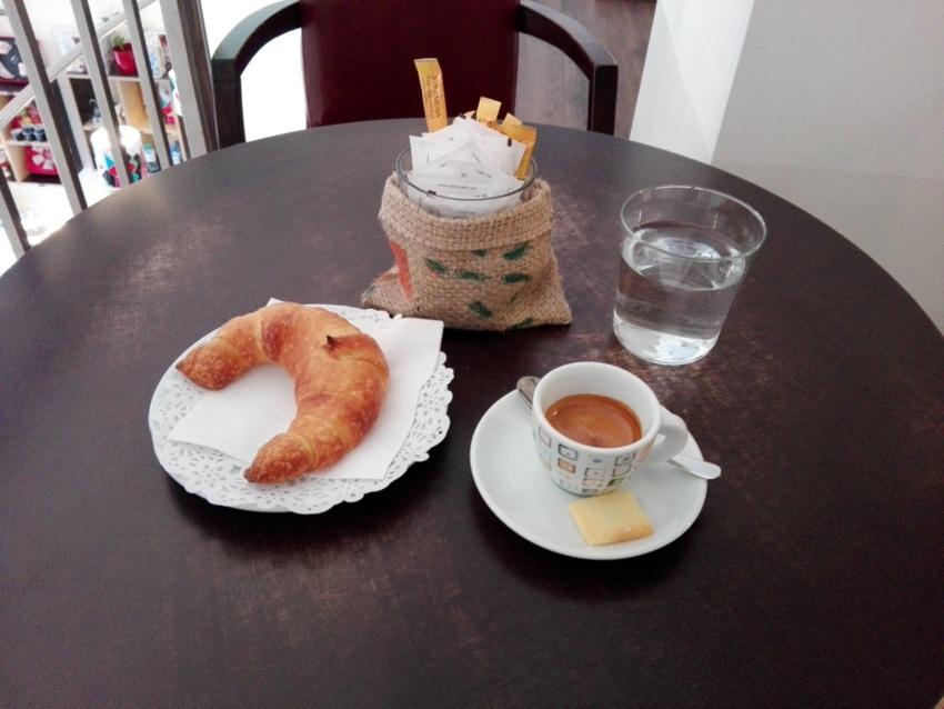 Italienisches Frühstück im Obergeschoss des Caffé Cambio, Bild (c) Claudia Busser - kekinwien.at