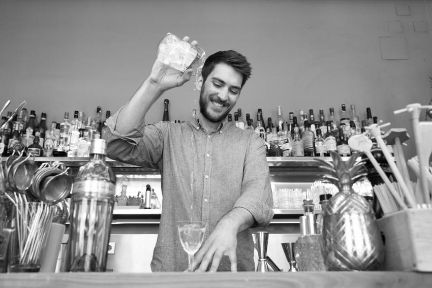 Miranda Bar, bei der Arbeit der wunderbare, preisgekrönte Falco Torini, Bild (c) Lisi Specht