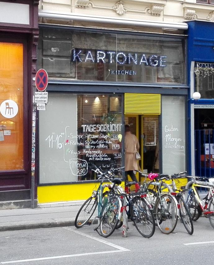Fassade der Kartonage Kitchen in der Burggasse, Bild (c) Claudia Busser - kekinwien.at