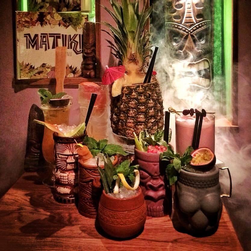 Tiki Drinks, mehr als bunte Vielfalt mit Schirmchendekor, Bild (c) Matiki Bar