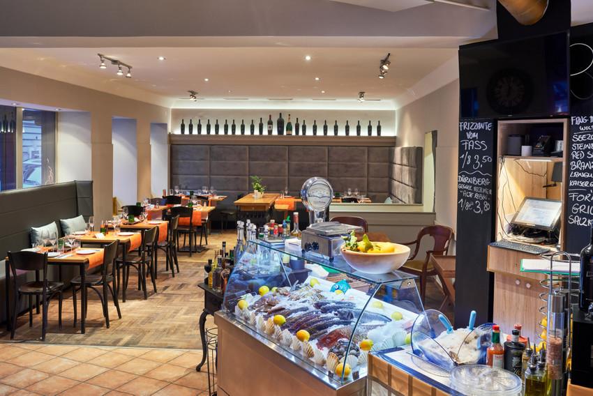 Blick in Takans Restaurant, Bild (c) Takans