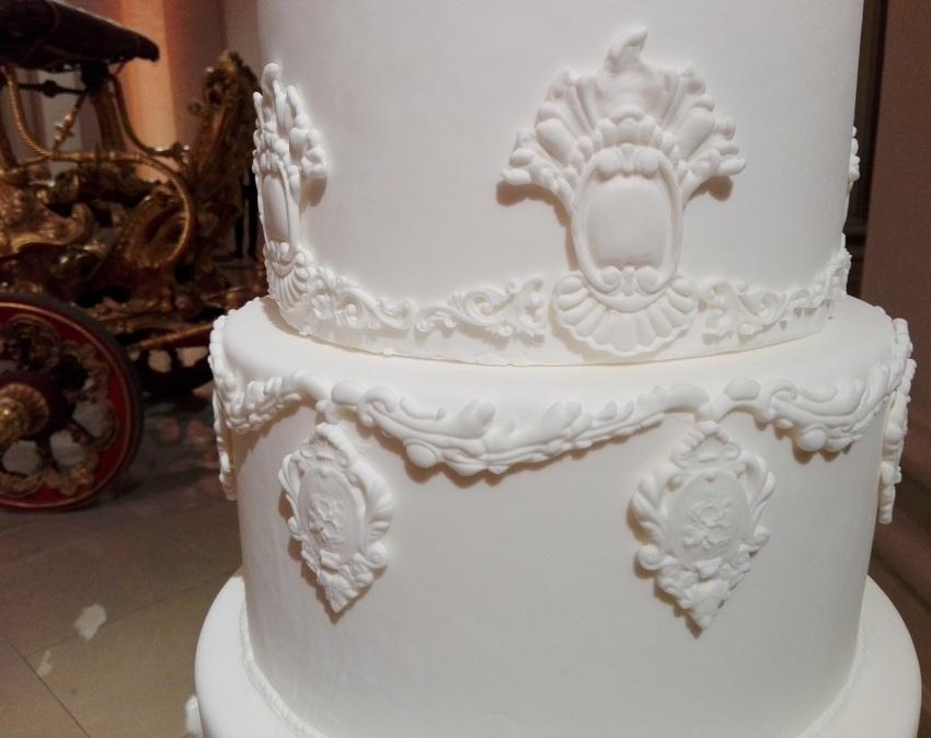 Details, aufwendige und elegante ZuckerbäckerInnenkunst, Bild (c) Claudia Busser - kekinwien.at