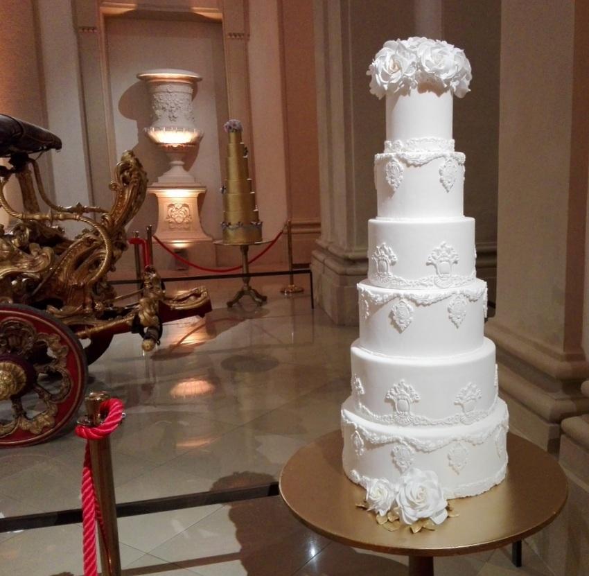 Welche soll man bloß wählen von den Hochzeitstorten der Schnabulerie, Bild (c) Claudia Busser - kekinwien.at